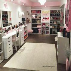 Beautiful vanity room