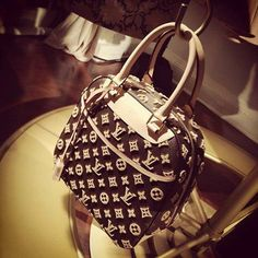 f270cd9d25af Louis Vuitton Monogram Handbags