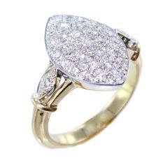 Fabrication d'une bague Marquise http://www.eleonaure.com/bague-marquise-sur-mesure-pm-84.html La marquise est une bague en forme de navette sertie de diamants. Apparue sous Louis XVI, elle a connu ses heures de gloire au début du XXème siècle avec des modèles plus sophistiqués. D'une rare élégance, elle est aujourd'hui un incontournable de la joaillerie.