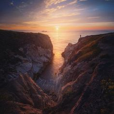 Beautiful views of sunset at Big Sur in California. Hiking around this beautiful coastline always puts a smile on my face. Where is your favorite place go hiking?