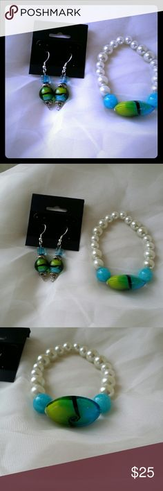 """Handcrafted  Braclet/Earrings set All Glass beads. MURANGO Glass beads. High quality. Earring ate fish hook. Hypoallergenic  ear wires. Strech  braclet fits up to size 8"""" Check out all the pictures. Just listed this. Mirango Glass Jewelry Bracelets"""