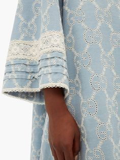 Neck Designs For Suits, Sleeves Designs For Dresses, Dress Neck Designs, Kurti Neck Designs, Kurta Designs Women, Sleeve Designs, Latest Dress Design, Stylish Dress Designs, Pakistani Dresses Casual