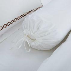 Hotelier Prestigio™ Vector Embriodery Quilt Cover