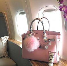 Early It bags — the Fendi Baguette, the Louis Vuitton Speedy, the Dior Saddle bag, various nylon Pradas — are making a comeback. Sac Birkin Hermes, Hermes Bags, Hermes Handbags, Replica Handbags, Fashion Handbags, Purses And Handbags, Fashion Bags, Coach Handbags, Gucci Bags