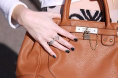 Fall in love with this name ring look, a totally unique way to amp up your style! Thanks @cindybatchelor for the photo