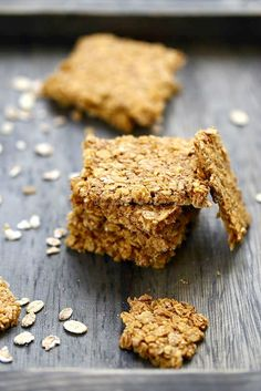 Oat flake crackers - Quick and Easy Recipes Healthy Crackers, Healthy Snacks, Ritz Cracker Recipes, Good Food, Yummy Food, Galletas Cookies, Vegan Kitchen, Biscuit Cookies, Cupcakes