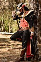 Pick a card by Sendershiseiten on deviantART. Look this amazing picture by Jesús Clares Photography. of my Twisted Fate (League of Legends) Cosplay Video Game Cosplay, Epic Cosplay, Male Cosplay, Amazing Cosplay, Cosplay Outfits, Cosplay Girls, Cosplay Costumes, Cosplay League Of Legends, Lol League Of Legends