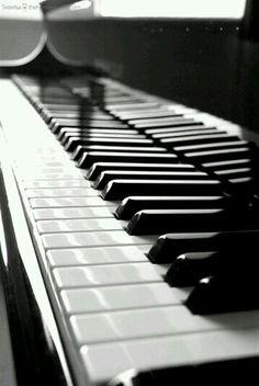 Piano Cellphone Wallpaper