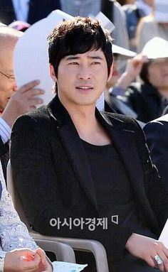 """Kang Ji Hwan attend """"Korea Osong Beauty Expo 2013"""" Kdrama, Beauty Expo, Save The Last Dance, Summer Scent, Love Days, Asian Celebrities, Lie To Me, Big Men, Me As A Girlfriend"""