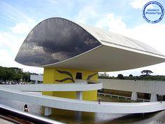 Das Oscar Niemeyer Museum in Curitiba und seine moderne Architektur