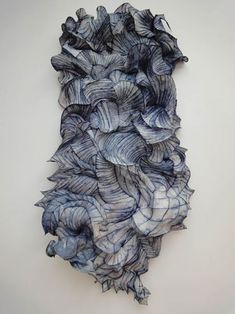 Peter Gentenaar - linen and bamboo - Blue Waves - hand papermaking sculpture - high shrinkage Sculpture Textile, Textile Art, Sculpture Art, Paper Sculptures, Muse Kunst, A Level Textiles, Inspiration Artistique, Textiles Techniques, Muse Art