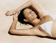 Easy ways to get a beautiful tan without baking in the sun. Fake a vacation sun-kissed look in no time!