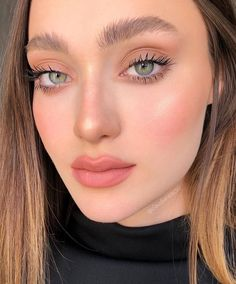 Pretty And Fresh Makup Looks For You To Start Your Year ; Makeup Looks; Fresh Makeup Looks; looks # freshmakeup Pink Eye Makeup, Neutral Makeup, Soft Makeup, Makeup For Green Eyes, Natural Makeup Looks, Pretty Makeup, Cheek Makeup, Simple Makeup Looks, Nude Makeup