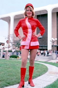 Pacific Southwest Airlines flight attendant, circa 1973 - The Museum of Flight Collection