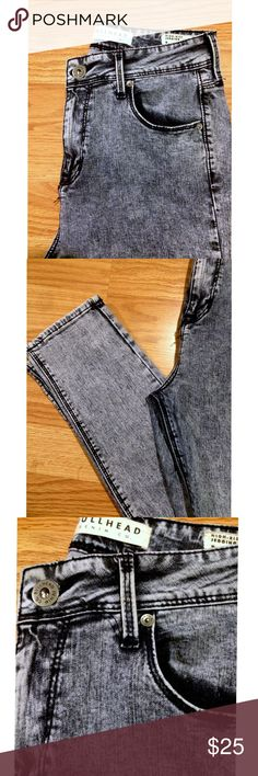 Bullhead high rise jegging High rise stretchy jegging in acid wash denim. Super comfy and cool color and style for summer. Gently worn, but in perfect condition PacSun Jeans Skinny