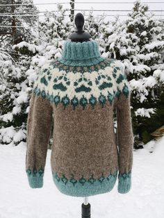 Knitted pullover in icelandic wool, design by ValleyKnits Mens Knit Sweater, Sweater Design, Yarn Colors, Long Sweaters, Knitting Yarn, Pulls, Knits, Knit Crochet, Autumn Fashion