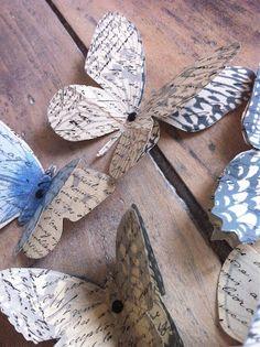 Papillons papier ancien