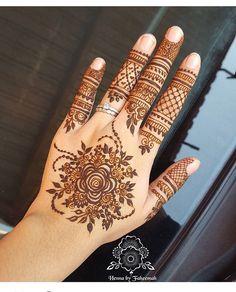 "4,952 Likes, 27 Comments - We Are Here To Inspire You (@hennalookbookin) on Instagram: ""Henna @henna_nurahshenna"""