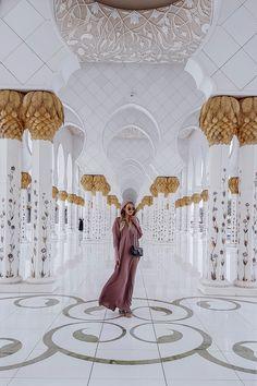 Sheikh Zayed Grand Mosque I Abu Dhabi http://www.ohhcouture.com/2017/04/abu-dhabi-2017/ #leoniehanne #ohhcouture