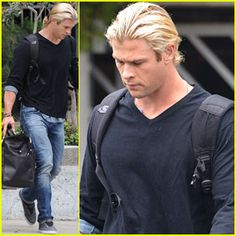 From justjared.com: Chris Hemsworth carries a bag and a backpack out of his home as he hops into an awaiting limo to go to LAX Airport on Sunday (March 17, 2013) in Santa Monica, Calif.