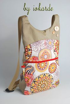 Outstanding 30 sewing projects are offered on our website. Backpack Pattern, Insulated Lunch Bags, Craft Bags, Orange Bag, Patchwork Bags, Simple Bags, Designer Backpacks, Cloth Bags, Backpack Bags
