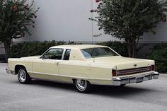 1976 Lincoln Continental Town Coupe | Flickr - Photo Sharing!