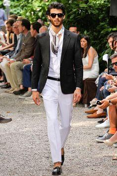 #Fashion #Mensfashion #Trussardi Tendencia Primavera 2013 complementos blazer saco Vogue Hombre - Trussardi