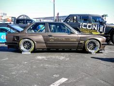 SEMA didn't disappoint this year, offering us oodles of cool custom cars to fawn over. Here are 10 of our favorite sports cars, both road legal and not. Bmw E36, Bmw E30 325, E36 Coupe, Nissan 240sx, Old School Cars, Bmw 2002, Bmw Series, Bmw Classic, Porsche Boxster