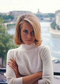 fonda christian girl personals Jane fonda did an extraordinary job with her part she is a splendid actress with a strong analytical mind which sometimes gets in her way, and with an incredible technique and control of emotion she can cry at will, on cue, mere drops or buckets, as the scene demands.