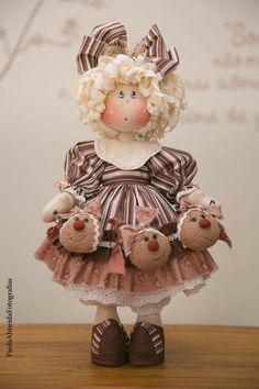Primitive Doll Patterns, Fabric Animals, Cute Toys, Felt Toys, Soft Dolls, Doll Crafts, Crafty Craft, Fabric Dolls, Doll Face