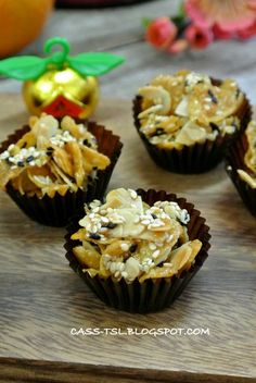 ** ** Wendao food: [monkey] watched in delight sesame almond corn cake