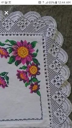 Hardanger crochet patchwork cover with delicate floral ornaments Crochet Borders, Filet Crochet, Crochet Lace, Crochet Stitches, Crochet Patterns, Yarn Crafts, Diy And Crafts, Mexican Designs, Chocolate Decorations