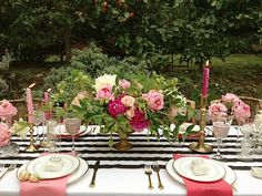 finch and thistle floral and event design- LOVE the floral urn!