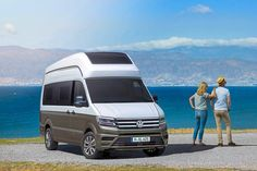 Mit dem California XXL zeigt VW ein Wohnmobil auf Crafter-Basis. Premiere hat die Studie mit Hochdach auf dem Caravan Salon Düsseldorf.
