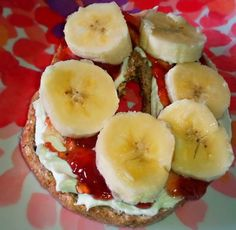 Strawberry  Banana Bagel  167 Calories 22g Carbs 6g Protein, 3g Fat    •100% Whole Grain Bagel  •1 Tbsp Sugar Free Strawberry Jelly  •1 Wedge Laughing Cow Light Cream Cheese Mixed with 1 packet of Truvia  •1/2 Extra Small Banana