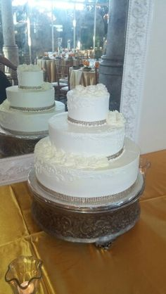 A 50th anniversary wedding cake!!!!!