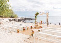 Mariage sur la plage : 10 inspirations déco - Clem Around The Corner Hawaii Wedding, Boho Wedding, Dream Wedding, Wedding Themes, Wedding Signs, Wedding Decorations, Wedding Ideas, Deco Surf, Winter Wedding Receptions