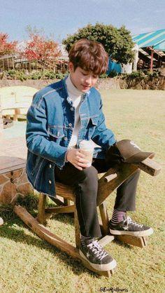 exo fluff imagines - dating park chanyeol 😁 Exo Ot9, Park Chanyeol Exo, Exo Chanyeol, Kyungsoo, Kaisoo, Chanbaek, Exo Fanart, Kim Jong Dae, Exo Lockscreen