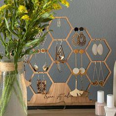 Jewellery Storage, Jewellery Display, Jewelry Organization, Wood Anniversary Gift, Craft Show Displays, Jewelry Holder, Diy Earring Holder, Earring Display, Boho Living Room