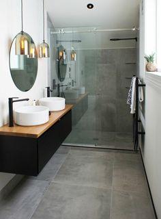 salle de bains style industriel miroir mur rond idée comptoir luminaire suspension