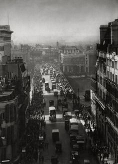 E.O. Hoppé - London Bridge, London, 1925. @Deidra Brocké Wallace