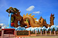 #dragon #statue #display Connect with me on FutureNet at http://teamsocial.futurenet.club