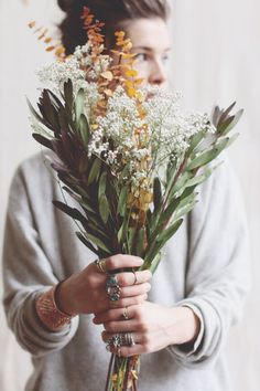 bouquet - baby's breath + olive?