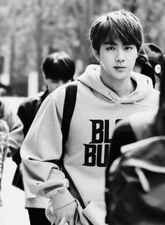 Jin in black & white *dramatic sounds*