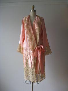 74d2e16316a81f 1920s lingerie robe Peignoir Satin