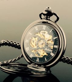 Mi reloj de bolsillo... Bueno, no por el momento My pocket watch... Well, not yet