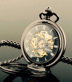 Mi reloj de bolsillo... Bueno, no por el momento   My pocket watch... Well, not yet