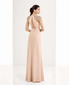 Pick the perfect bridal or guest look from our trend-setting wedding dresses and evening gowns. Prom Dresses Two Piece, High Low Prom Dresses, Formal Dresses For Weddings, Glam Dresses, Elegant Dresses, Groom Dress, Beautiful Outfits, Bridal Gowns, Ideias Fashion