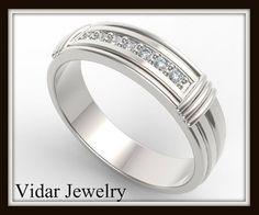 Elegant And Beautiful 14k White Gold Diamond Men's Wedding Ring