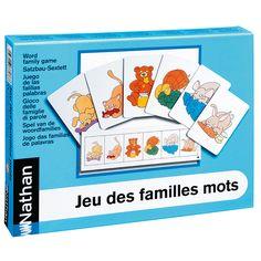 Cette variante du jeu des 7 familles amène l'enfant à construire des premières phrases simples. Pour réunir les 6 cartes indiquées sur la bande-consigne, l'enfant doit demander les cartes avec une...